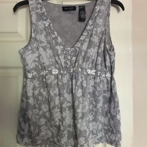 Gray Floral Sleeveless Top M